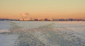 Río Neva Fotos de archivo libres de regalías