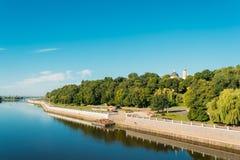 Río, parque de la ciudad y catedral de St Peter And Paul In Summer Sunny Day foto de archivo