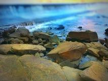 Río que fluye Imagenes de archivo