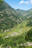 Río Rialb en el valle de Andorra Imagen de archivo libre de regalías