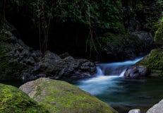Río romántico en naturaleza hermosa Foto de archivo