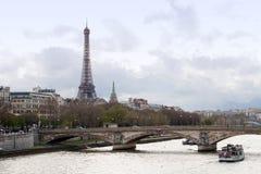 Río Seine de la torre Eiffel Fotos de archivo