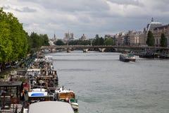 Río Sena París - 04 Fotos de archivo libres de regalías