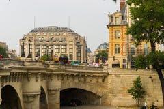 Río Sena por la tarde Imagen de archivo