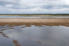 Río septentrional de Dvina en verano Imagenes de archivo