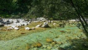 Río Soca en Eslovenia fotos de archivo libres de regalías