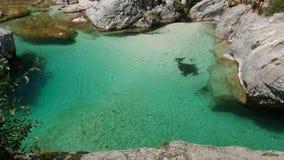 Río Soca en Eslovenia foto de archivo