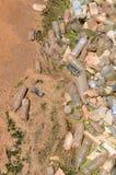 Río tóxico de la basura foto de archivo