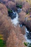 Río Tera en Puebla de Sanabria, Zamora, España Foto de archivo libre de regalías