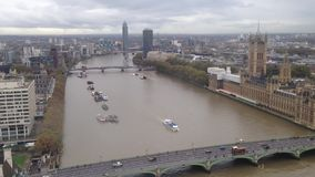 Río Thames de Londres almacen de video