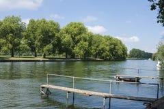 Río Thames en Datchet Fotos de archivo
