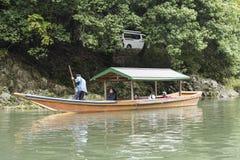 Río tradicional Japón de Katsura del barco de río imagen de archivo