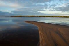 Río tranquilo de la mañana Fotos de archivo
