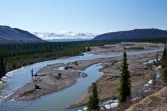 Río a través de Alaska fotos de archivo libres de regalías