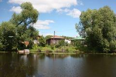 Río Trubezh en Pereslavl. Fotos de archivo libres de regalías