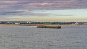 Río Tyne South Pier, Tyne y desgaste, Inglaterra, Reino Unido imágenes de archivo libres de regalías