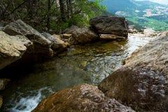 Río y cascada 2 de la montaña Imagen de archivo