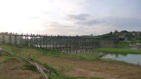 Río y el puente Imagenes de archivo