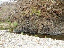 Río y montaña imagen de archivo