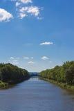 Río y paisaje Fotos de archivo