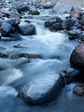 Río y piedras Imagen de archivo