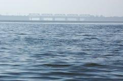 Río y puente Foto de archivo libre de regalías