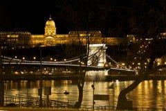 Río y puente, Hungría de Budapeste Fotos de archivo libres de regalías