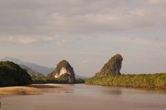 Ríos y montañas Imagenes de archivo