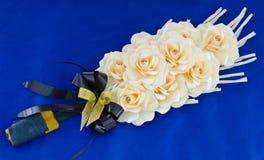 Różani drewno kwiaty umieszczający przy kremacją Zdjęcia Royalty Free