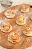 Różani jabłczani ciastka Obrazy Stock