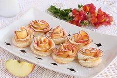 Różani jabłczani ciastka Zdjęcia Stock