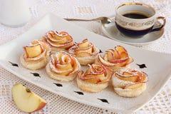 Różani jabłczani ciastka Obrazy Royalty Free