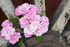 Róże i furgonu koło Zdjęcie Royalty Free