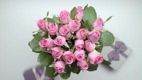Róże i teraźniejszość zbiory