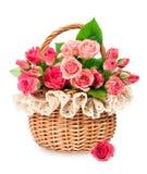 Róże w łozinowym koszu Fotografia Stock