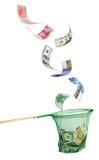 Różne waluty spada w sieci rybackiej zdjęcie stock