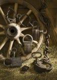 Różni antyków kędziorki z łańcuchami fotografia stock