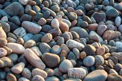Różni kamienie na plaży Zdjęcia Royalty Free