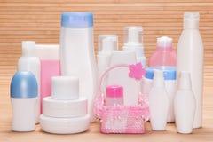 Różni kosmetyczni produkty dla skincare na drewnianej powierzchni Fotografia Royalty Free