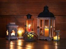 Różni lampiony z świeczkami Zdjęcia Stock