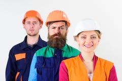 Różni ludzie w drużynie architekci, robotnicy, budowniczowie, Fotografia Royalty Free