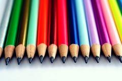 Różni Zapraweni Kolorowi ołówki i gumki Fotografia Royalty Free