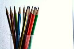 Różni Zapraweni Kolorowi ołówki i gumki Obraz Royalty Free