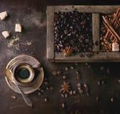 Różnica kawowe fasole zdjęcia stock