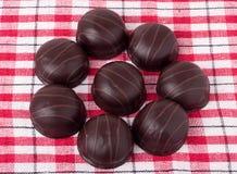 Różnicy chocolated słodcy pralines Zdjęcie Royalty Free
