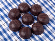 Różnicy chocolated słodcy pralines zdjęcia royalty free