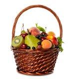 Różnorodna owoc w brown koszu obrazy royalty free
