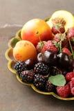 Różnorodne świeże organicznie jagody Obrazy Stock
