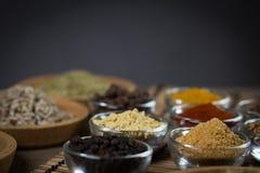 Różnorodne świeże pikantność w pucharach, Zdjęcie Stock