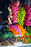 Różnorodne owoc przy miejscowego rynkiem Obrazy Royalty Free